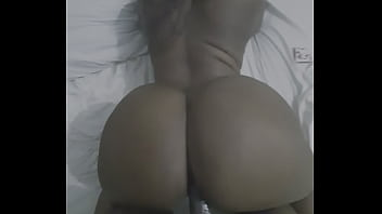 Thick bitch bouncing african mega booties in doggystyle...