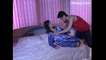 Amateur Malaysian chick and horny guy make a home video