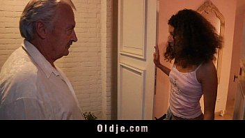 Amateur Gratis White haired grandpa fucks horny stephanie