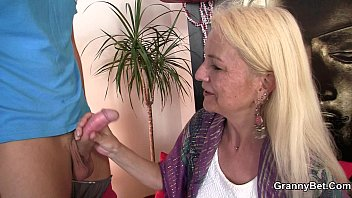 Blonde skinny granny jumps on big meat - XVIDEOS.COM