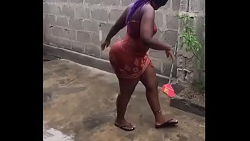 Mz booty in africa...