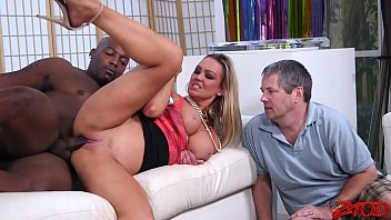 Wicked chick controls men cock with cowgirl riding