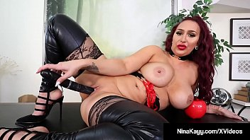 cover video Plump Rump Hottie Nina Kayy Abuses All Her Small Dick Fans