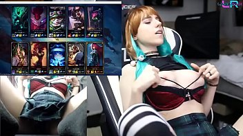 Teen Playing League of Legends with an Ohmibod 1\/2