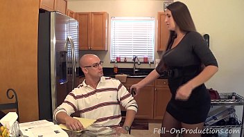"Madisin Lee in MILF mom helps son with his ""Term Paper Blue Balls"""