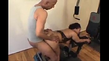 Cutie wearing tight gym clothes gets fucked outside