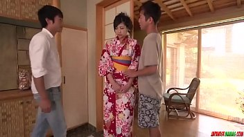 Yuna Shiratori feels generous with these big dongs - More at Japanesemamas com 12 min
