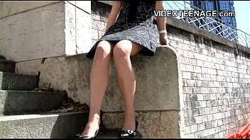 teen fashion model without pantie modeling session
