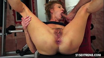 Mature mom squirting