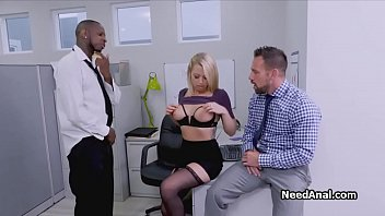 xxarxx Secretary in interracial threesome office rimming