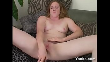 Yanks Babe Erin Ireland Fucks A Long Toy