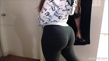 Latina beauty shakin her booty in spandex after working out the gym 202camgirlz.com