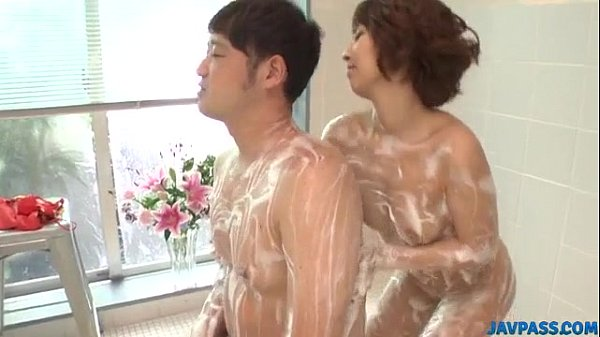 Risa Mizuki gets busy with cock during soapy xxx play