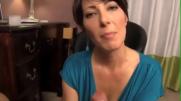 Step son spying on mom gets a sloppy blowjob