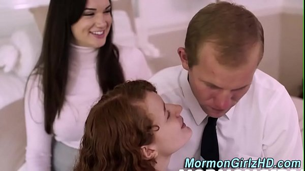 Jolly brunette Eloa Lombard sucking several dicks and getting cumshots № 509945  скачать