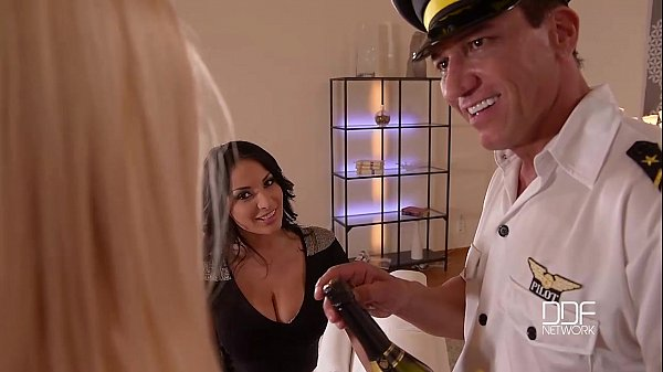 Euro pornstars fuck doctor and friend during groupsex for cumshot on hands  1633507