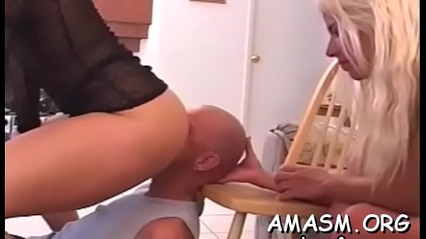Wife enjoys dude as her sex toy in complete smothering video