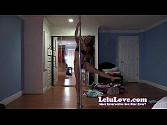 Shaking my ass and poledancing on my live webcam show