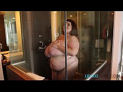 Sexy BBW Lexxxi Luxe Soaps Up Her Huge Tits