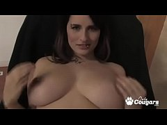 Busty All Natural Thick & Chunky Cougar Fingers Fucks Herself