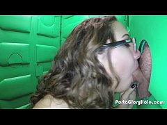 Porta Gloryhole Hot young teen gets naughty at church