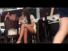 Amateur Girl in cafe gets upskirt nice shave