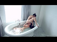 Shyla Jennings and Jenna Sativa at Sextape Lesbians