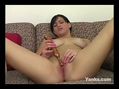 Yanks Brunette Makali Chanel Masturbating