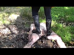 Rubber Boots Lesson in Mud