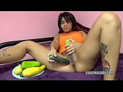 Petite hottie Charli Chavez stuffs her twat with veggies