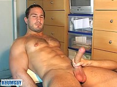 enzo, a real french straight guy get wanked his huge cock by a guy !