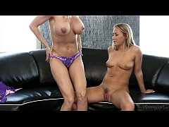 Mom, That's weird! - Brandi Love, Carter Cruise