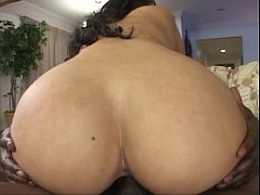 white girl with phat ass bouncin' black dick