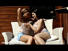 Cantina Fling - by Sapphic Erotica lesbian sex with Zafira Natali