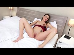 Pregnant Victoria Daniels Fucks Herself with a Vibrator!