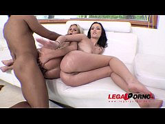 Katie Montana & Scarlet Blaze anal threesome with gapes & ATM RS200