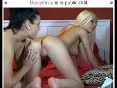 Hot blonde babe squirts