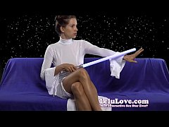 Amateur Princess Leia cosplay vibrator masturbation orgasm