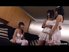Thai babes, Mintra, Kanda and Niche are having a threesome