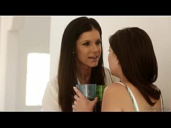 Mommy India Summer Teaching Chloe Amour and Shyla Jennings