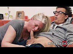 HD HITZEFREI German MILF has her pussy stuffed