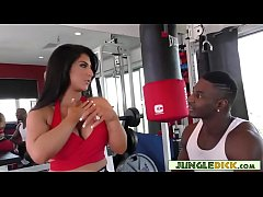 Curvy Anal Slut Fucks Black Guy In The Gym