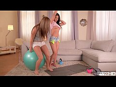 Fitness nymphos Athina & Inna hardcore Threesome masterpiece