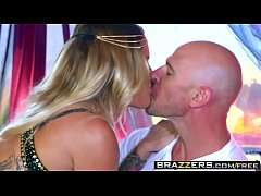 Brazzers - Brazzers Exxtra - Kissa Sins Johnny Sins - Belly Dancing 4 Big Dicks