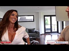 Clip sex Busty mom Ariella Ferrera gets fucked and facialized