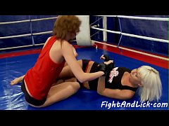 Amateur dykes fingerfucking after wrestling