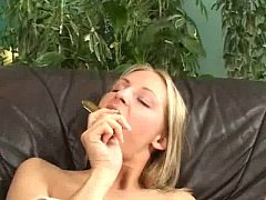 Blond anal masturbating