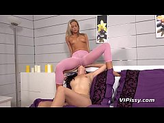 Hot babes pee their pantyhose during lesbian toy play