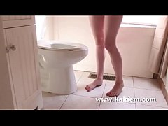 Amateur video girl from the toilet