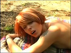 Happy sex in a farm: sexy redhead buggered outdoor!